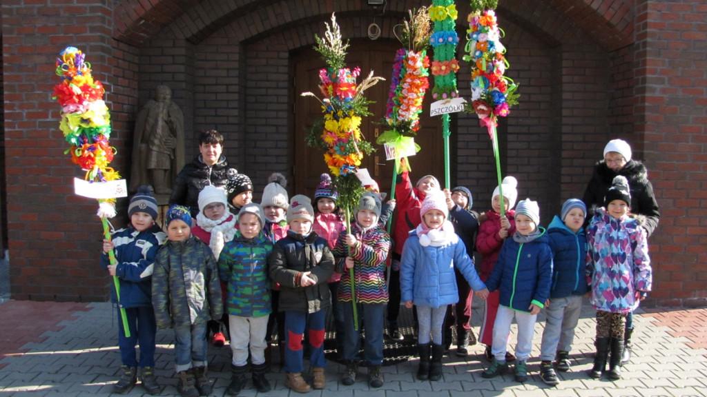 Dzieci, niedziela palmowa, Świebodzice, Parafia Św. Brata Alberta