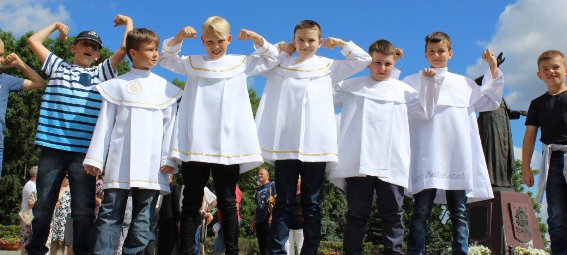 Pielgrzymka dzieci Jasna Góra 2016, Parafia Św. Brata Alberta Świebodzice