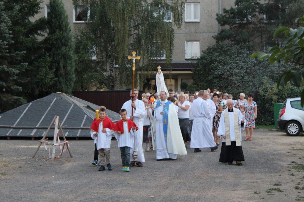 Nabożeństwo fatimskie, parafia Św. Brata Alberta Świebodzice