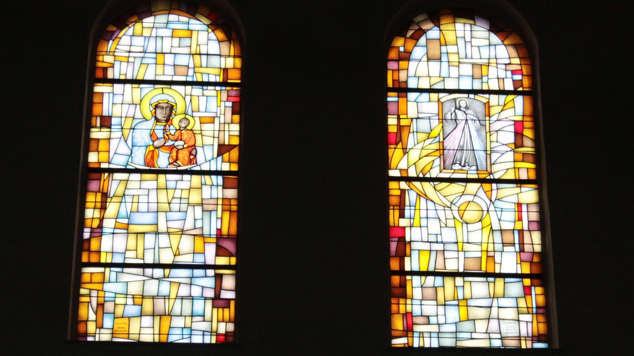 witraże, MB Częstochowska, Jezus Miłosierny