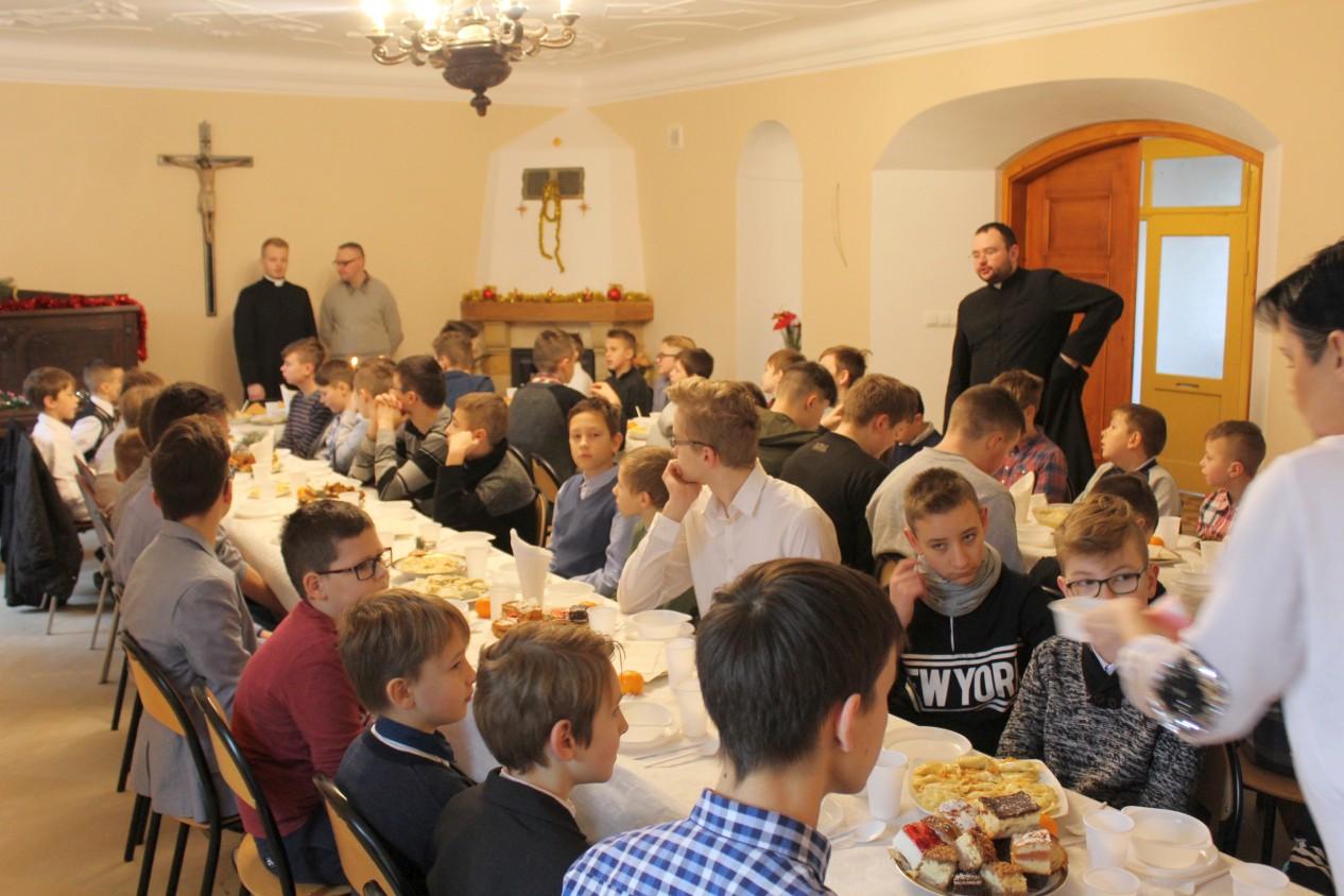 Dekanalna Wigilia Ministrantów, Św. Brat Albert Świebodzice
